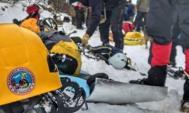 Tierra del Fuego: Desesperada búsqueda para ubicar a una mujer que cayó en la grieta de un glaciar