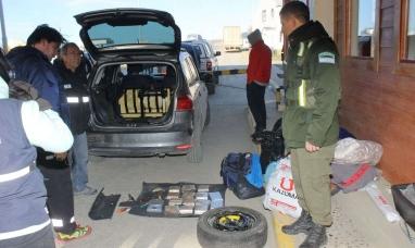 Tierra del Fuego: Detienen en la frontera a  sujeto con 14 kilos de cocaína