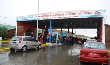 Tierra del Fuego: Empleados de aduana adhieren al paro convocado por la CGT y no habrá atención en la frontera