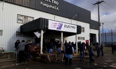 """Tierra del Fuego: La empresa """"electro fueguina"""" despidió a los primeros 15 trabajadores"""
