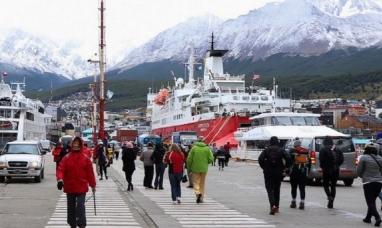 Tierra del Fuego: Estiman que a fin de año podrían volver los turistas internacionales