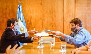 """Tierra del Fuego: El gobernador concretó la inclusión al programa """"Argentina unida por la integración de los barrios populares"""""""