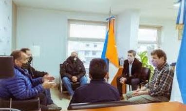 Tierra del Fuego: El gobernador se reunió en Río Grande con autoridades del centro de veteranos de Malvinas