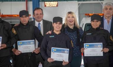 Tierra del Fuego: La gobernadora entregó vehículos y equipamiento a la policía