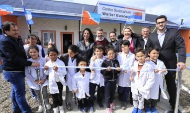 """Tierra del Fuego: Gobierno inauguró el centro social y  cultural """"Walter Buscemi"""" en barrios de la margen sur de Río Grande"""