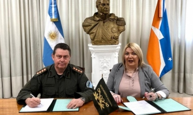 """Tierra del Fuego: Gobierno otorgó un predio a gendarmería tras incendio en el destacamento """"Lago escondido"""""""