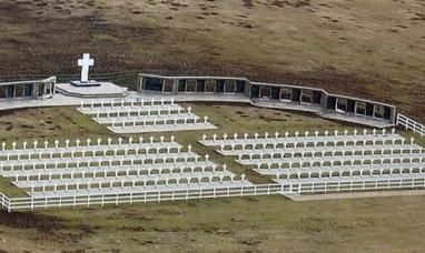 Tierra del Fuego: Identificarán a soldados sepultados en una tumba común en Malvinas