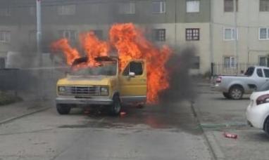 Tierra del Fuego: Se incendió la camioneta de conocido cantante riograndense