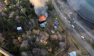 Tierra del Fuego: Incendio arrasó con una vivienda de puerto Almanza