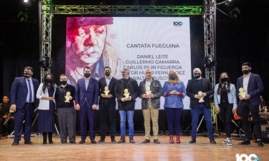 """Tierra del Fuego: El intendente de Río Grande entregó los reconocimientos """"Walter Buscemi"""" a artistas de la música"""