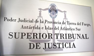 Tierra del Fuego: Juntan firmas oponiéndose a la ampliación del superior tribunal de justicia