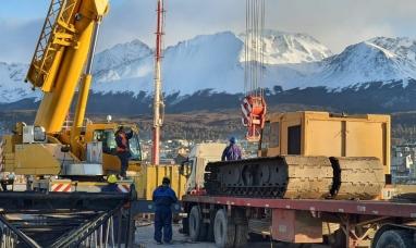 Tierra del Fuego: Llegaron a Ushuaia las maquinarias para la obra de ampliación del muelle comercial del puerto