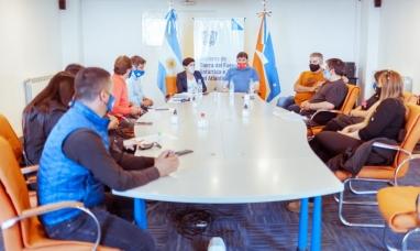 Tierra del Fuego: Ministra de educación y su par de trabajo, dialogaron con representantes de ATE sobre el regreso cuidado a la escuela