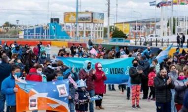 Tierra del Fuego: Multitudinaria caravana en Río Grande a favor de la vida