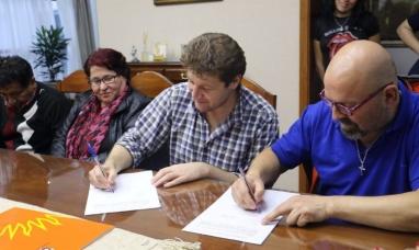 Tierra del Fuego: El municipio de Río Grande y gremio estatal suscriben convenio para la construcción de viviendas