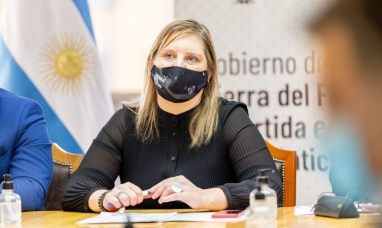 """Tierra del Fuego: Nuevas medidas sanitarias, """"Hay que celebrarlo con responsabilidad"""" dijo ministra de salud"""