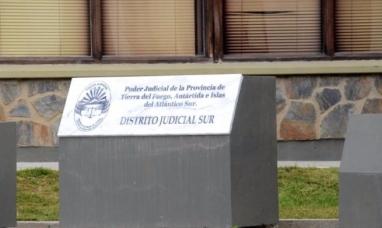 Tierra del Fuego: Otra mujer en Ushuaia  es llevada a juicio por simular la muerte de su pareja