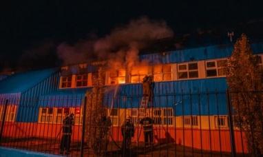"""Tierra del Fuego: Para repudiar el incendio, padres y alumnos realizarán un """"abrazo solidario"""" a la escuela N° 20 de Río Grande"""