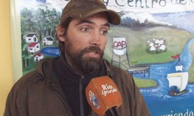 """Tierra del Fuego: Presentarán en Río Grande el libro """"Viviendo entre ovejas"""""""