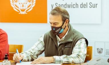 Tierra del Fuego: El presidente de la dirección de puertos destacó la firma del contrato para la ampliación del muelle comercial