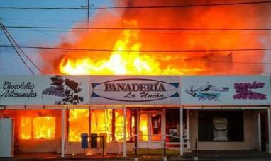 """Tierra del Fuego: """"Me propuse reabrir el 13 de abril"""" dijo propietario de la panadería siniestrada"""