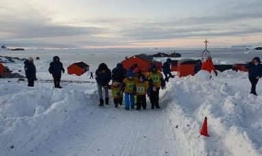 Tierra del Fuego: Se realizan en base Esperanza las olimpiadas escolares antárticas