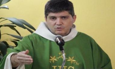 Tierra del Fuego: Sacerdote de Ushuaia dice que no hace política partidaria en los sermones