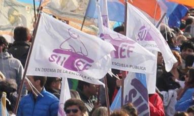 Tierra del Fuego: Sindicato de la educación declaró el estado de alerta y movilización por recomposición salarial