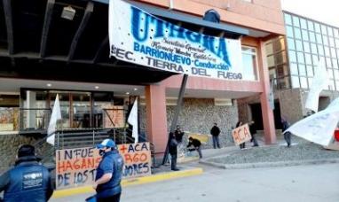 """Tierra del Fuego: Trabajadores del hotel """"Canal de Beagle"""" cobrarían las indemnizaciones"""