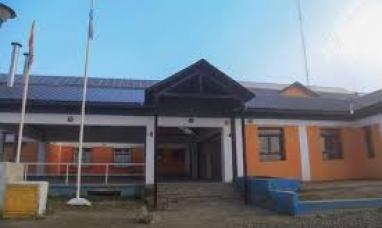 Tierra del Fuego: Trasladan a docente que arrancó carteles pro-aborto del colegio Trejo Noel de Tolhuin