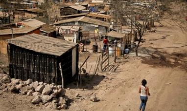 Una familia necesita 57.997 pesos para no caer en la pobreza