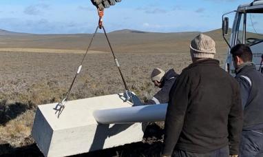 La UNTDF y la Cooperativa Eléctrica instalan la primera turbina eólica en la Provincia