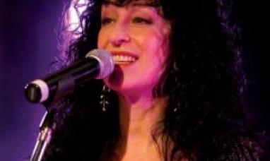Vigilia por Malvinas: Julia Zenko cantará el himno nacional