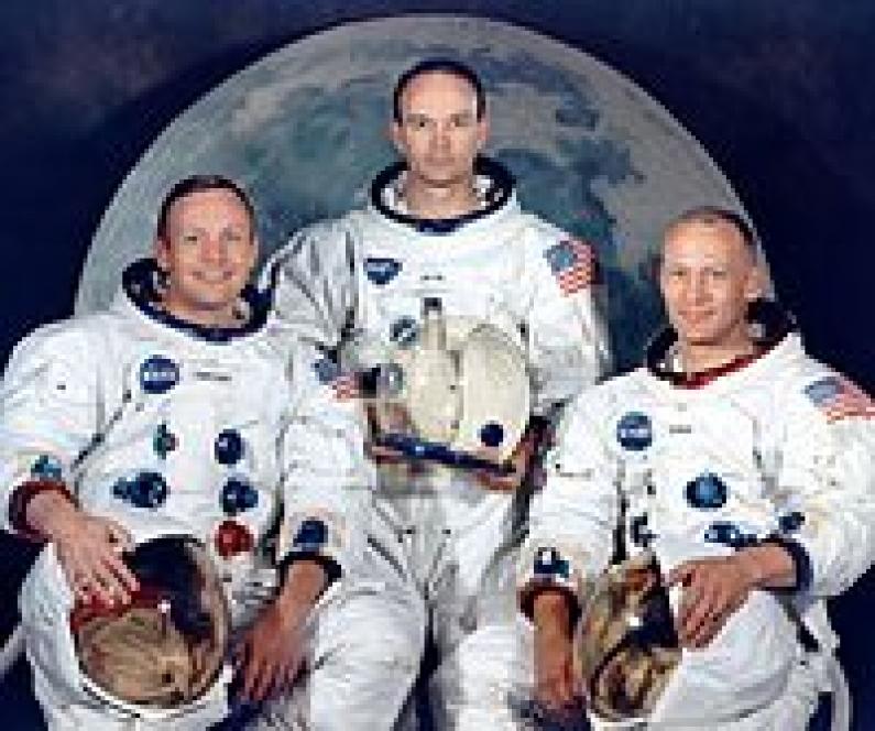 """El hombre en la luna:  Realidad o la mentira más grande al mundo de la """"madre tierra"""" norteamericana ????"""