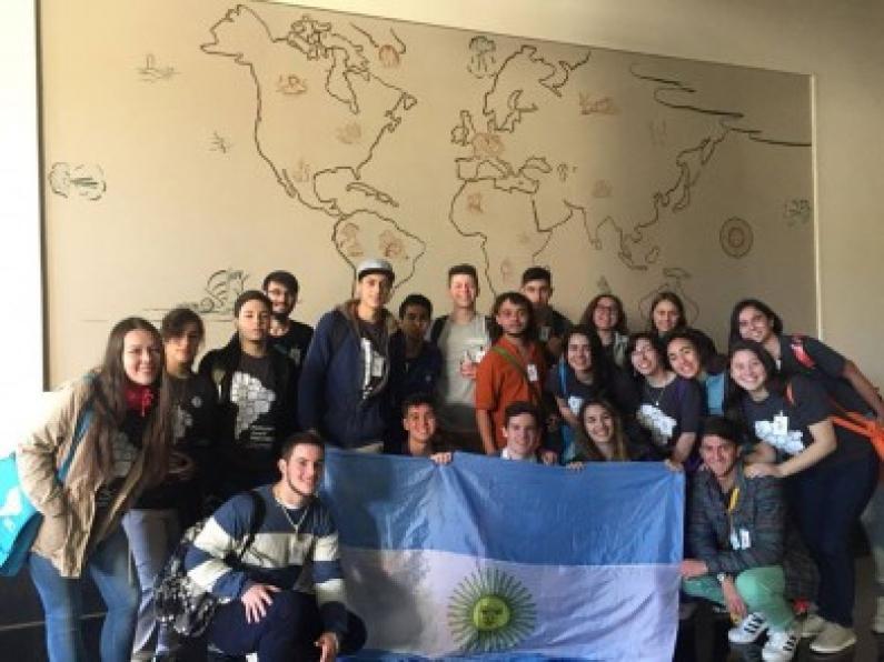 Santa Cruz: Una estudiante de Caleta Olivia es la nueva delegada internacional del parlamento juvenil del Mercosur