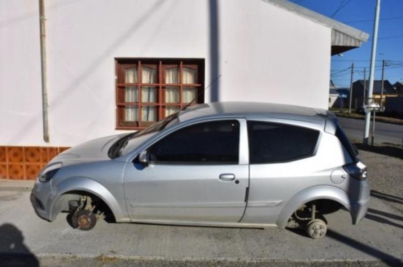 Tierra del Fuego: Continúan los robos de ruedas de vehículos estacionados en Río Grande