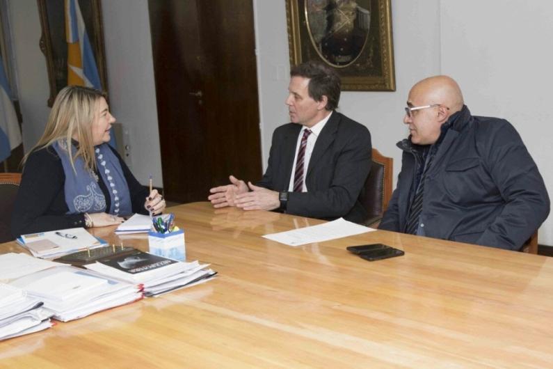 Tierra del Fuego: La gobernadora pide que los ciudadanos argentinos que residen en Malvinas puedan votar
