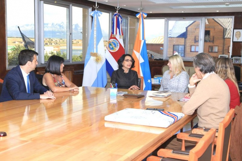 Tierra del Fuego: La gobernadora recibió a la embajadora de Costa Rica