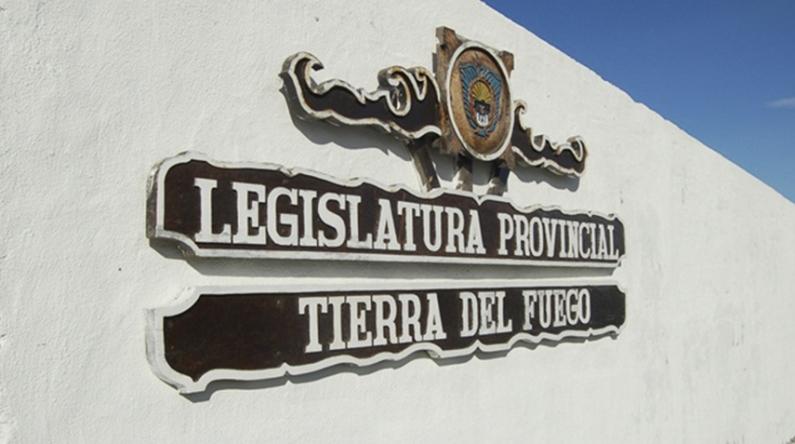 Tierra del Fuego: La legislatura aprobó el préstamo para poder pagar 600 millones de pesos adelantados por nación