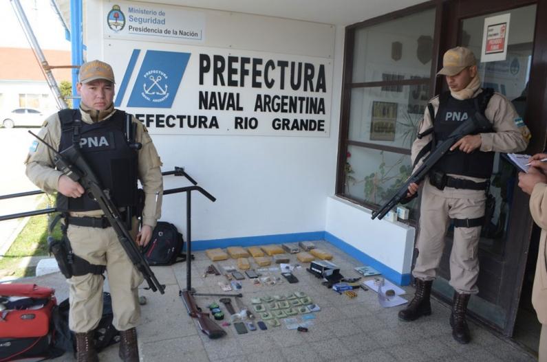 Tierra del Fuego: Prefectura naval incautó ocho kilos de marihuana que eran trasladados en un camión