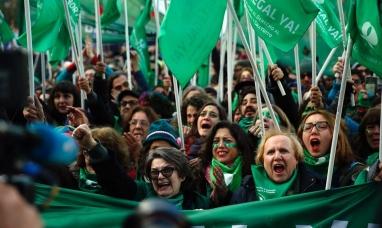 Aborto: con cambios de postura de última hora, diputados dio media sanción a la despenalización
