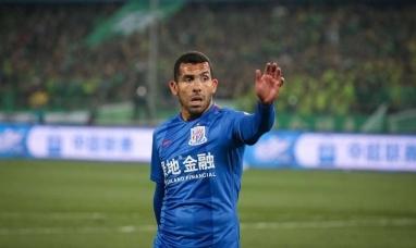 """El """"apache"""" Carlos Tevez destrozó al fútbol chino"""