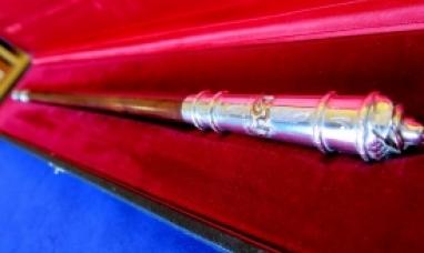 El bastón de mando que recibirá Rosana Bertone tiene el corazón de lenga y el espíritu nacional