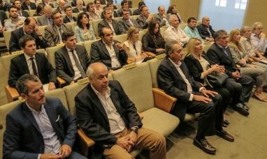 Buenos Aires: La gobernadora de Tierra del Fuego, expuso ante inversores las licitaciones del área CA 12