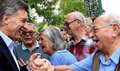 ¿Desaparece el PAMI?: Mauricio Macri quiere que los gremios le paguen la obra social a sus jubilados