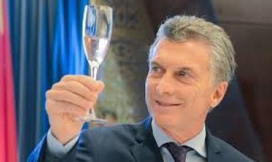 Hasta las manos !!!!  Argentina nuevamente dependiente del fondo monetario internacional
