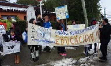 Inminente convocatoria a docentes para cubrir a los que siguen de paro