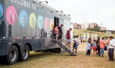 Llega a la ciudad el camión de la fundación YPF con una muestra científica sobre energía