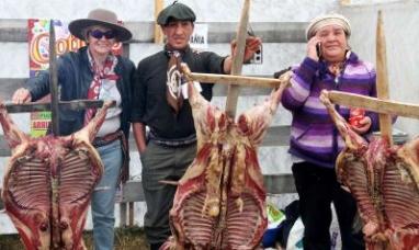 La localidad de Porvenir (Chile) prepara el asado más grande de la Patagonia