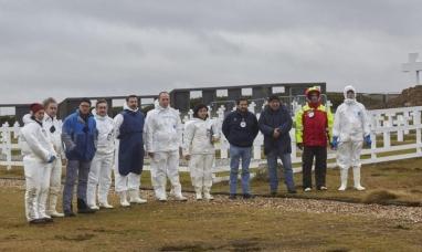 Malvinas: La cruz roja informó que exhumó 121 tumbas en el cementerio de Darwin